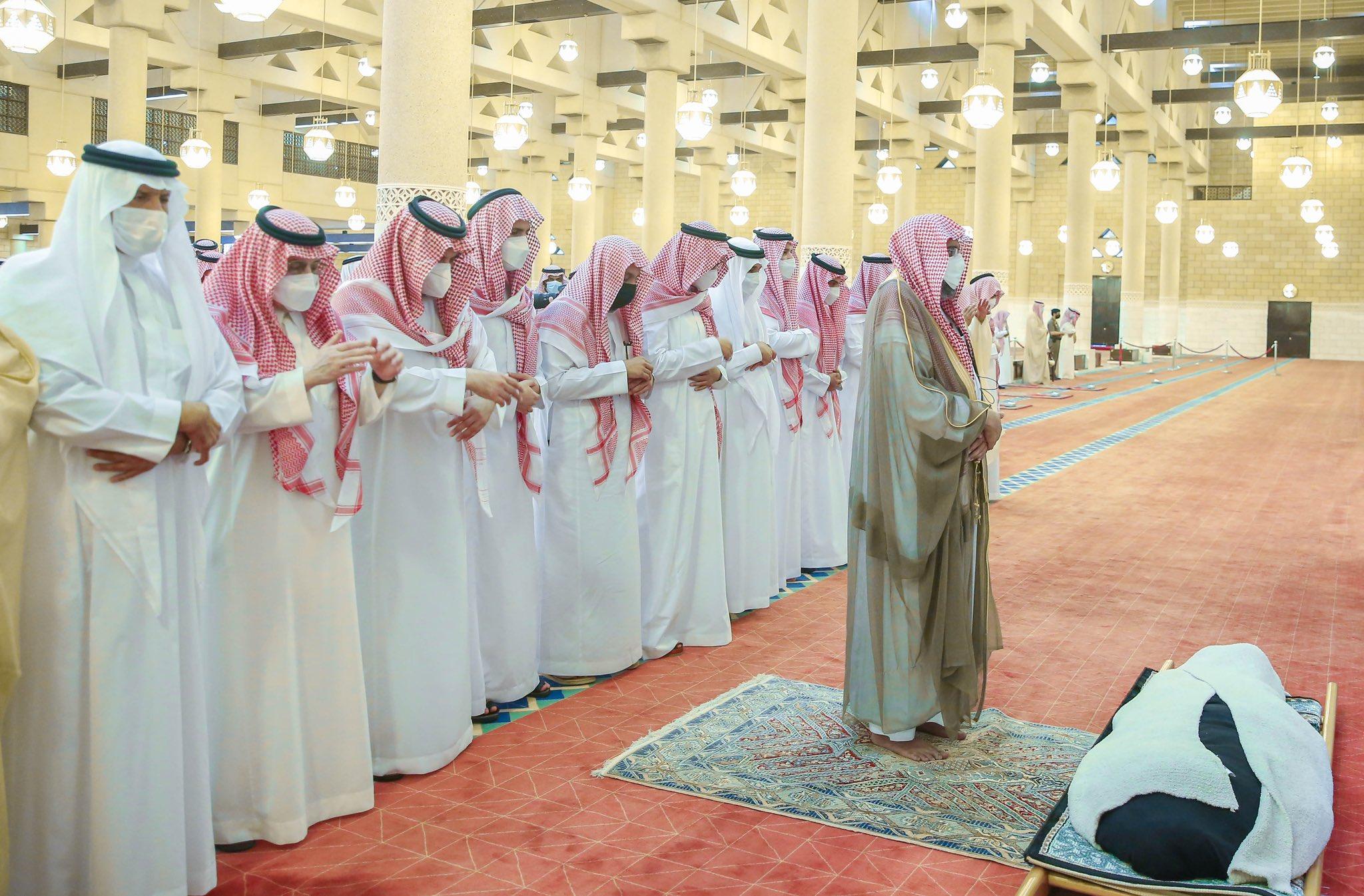 علي الرياض صورة فوتوغرافية