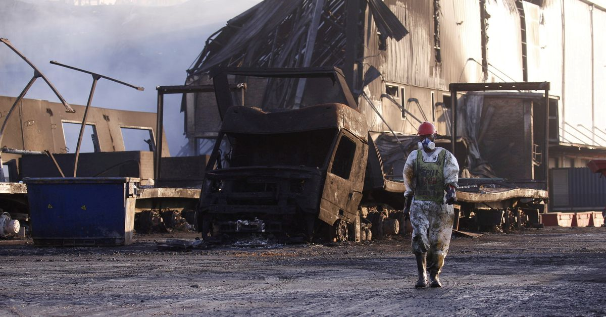 Death toll in South Africa riots rises to 276, minister says Photo