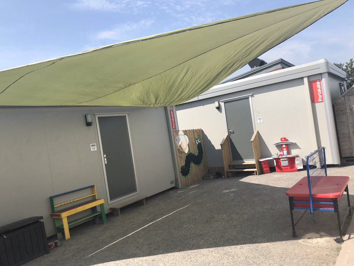 More coverings went up today in our outdoor areas. This is allowing more outdoor play and keeping children & staff safe from strong sunlight. It was fantastic to get sensory play going all day ! @DeptRCD @mmcgrathtd @mickfinn01 @MicaelaConnoll2 @AnneRabbitte @debbie_harry https://t.co/R2LK3FC6HX