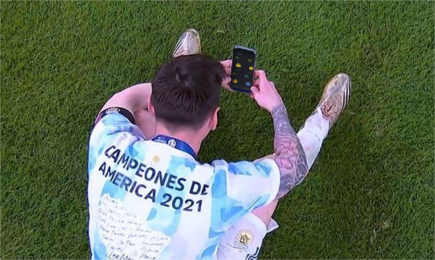 Lionel Messi checking the price of his axies after winning the Copa America 2021 @AxieInfinity https://t.co/S76i28QwQP
