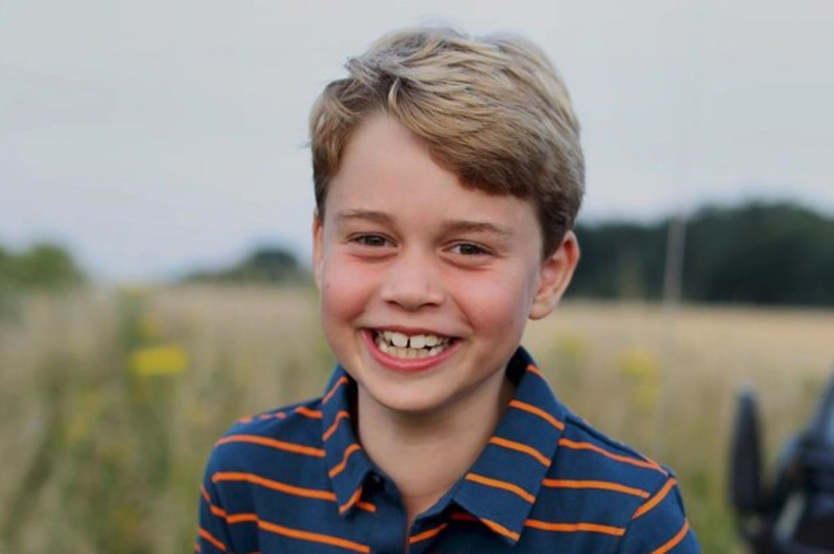 The Royal Family Released A New Picture Of Prince George For His Birthday Photo