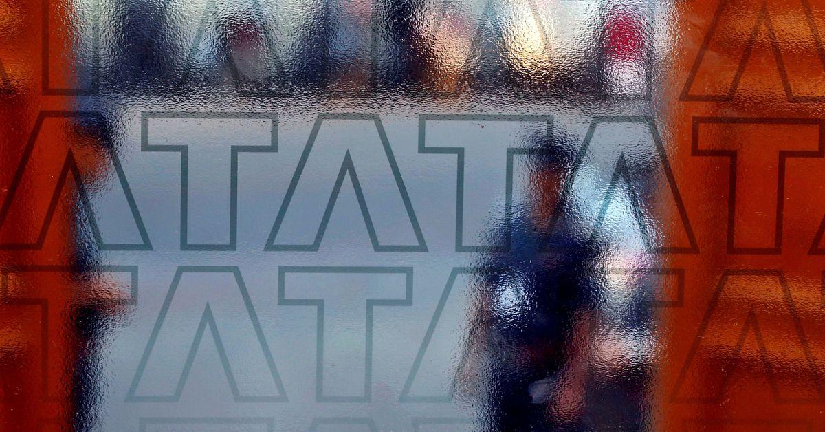 India's Tata gets bullish on e-commerce just as rules threaten to transform market https://t.co/byHLm22GHp https://t.co/XVG4T8cJFI