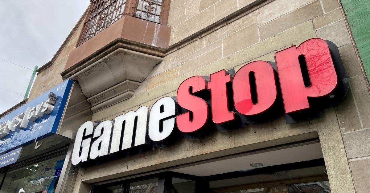 Flush from Reddit rally, GameStop plots store revival https://t.co/BjjSNw2n2d https://t.co/8YXIXn12ir