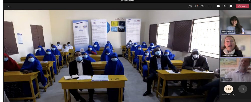 """""""Working with 🇬🇧 and the community my ministry has seen has seen an 88% increase in girls🧕 enrolment in school across 🇸🇴"""" @moechesomalia Minister Abdullahi speaking during a visit to #20December20 school ahead of #GES2020 https://t.co/MYhgJBZYMh"""