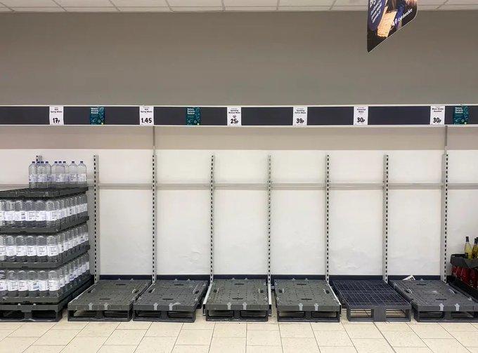 Panic Hits UK as Supermarket Shelves Go Bare E65fSk6XoA4MiGs?format=jpg&name=small