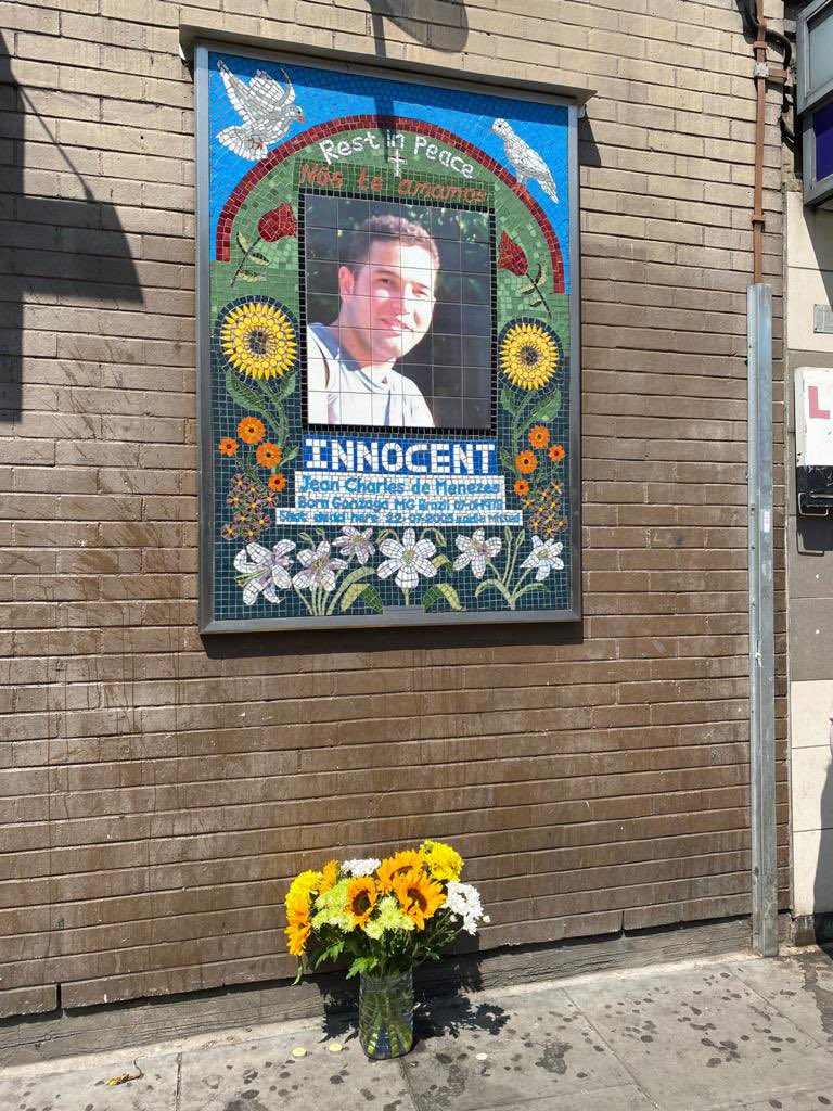 Today the family of Jean Charles de Menezes mark the anniversary of his murder at the hands of the police. Despite the families ten year battle those responsible were never held to account & justice never done. The person in charge that day is now the Met Police Commissioner https://t.co/VSd8syvYot