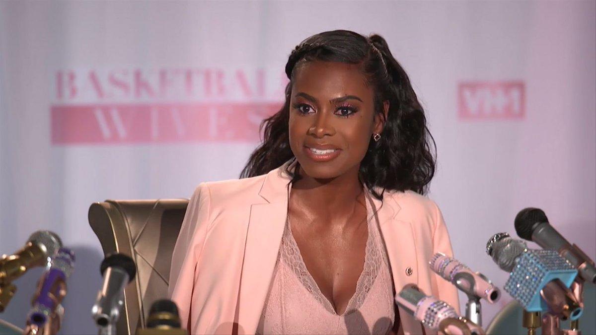 RT @BijouxFleurette: Kristen is gorgeous 🌸🌸🌸🌸🌸 Dark skin Black women are beautiful  #BasketballWivesLA #BBWLA https://t.co/y9db67UDf2
