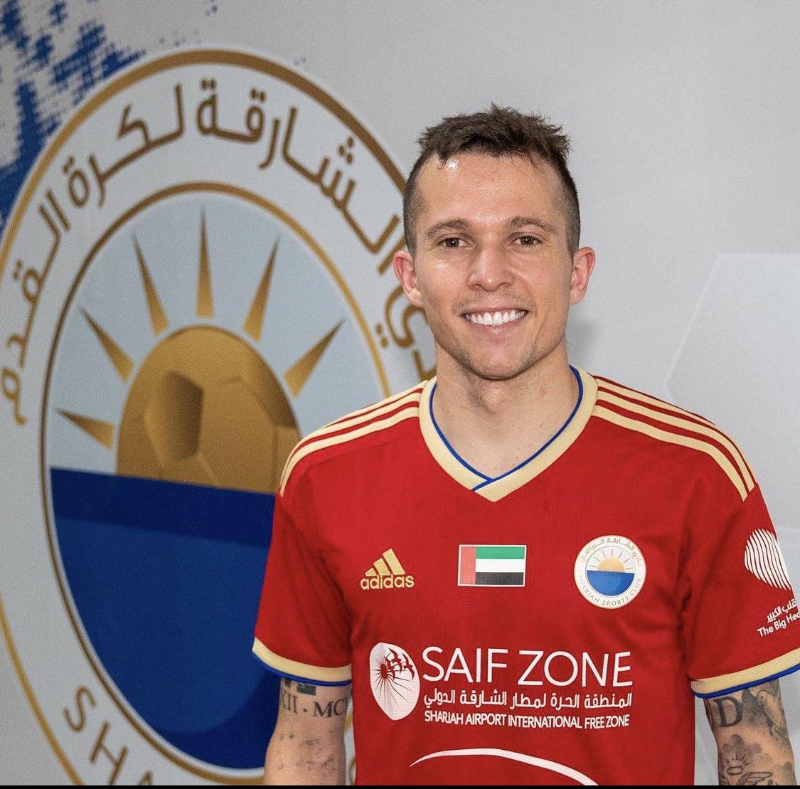 رسمياً<br /><br />نادي الشارقة الإماراتي يوقع مع لاعب إيفرتون البرازيلي بيرنارد <br /><br />@SharjahFC