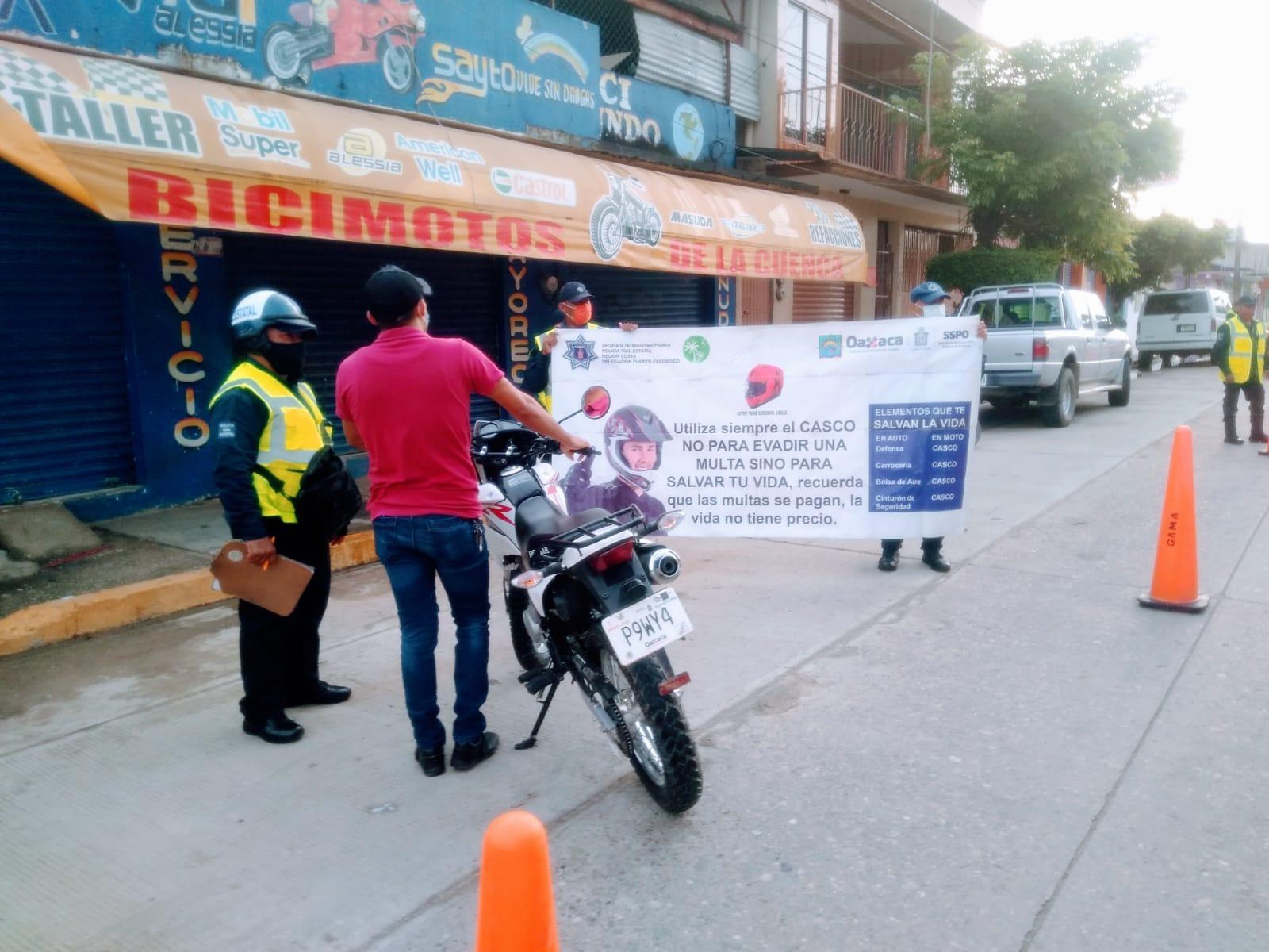 Montan operativo de revisión de motociclistas, salvar vidas es la prioridad