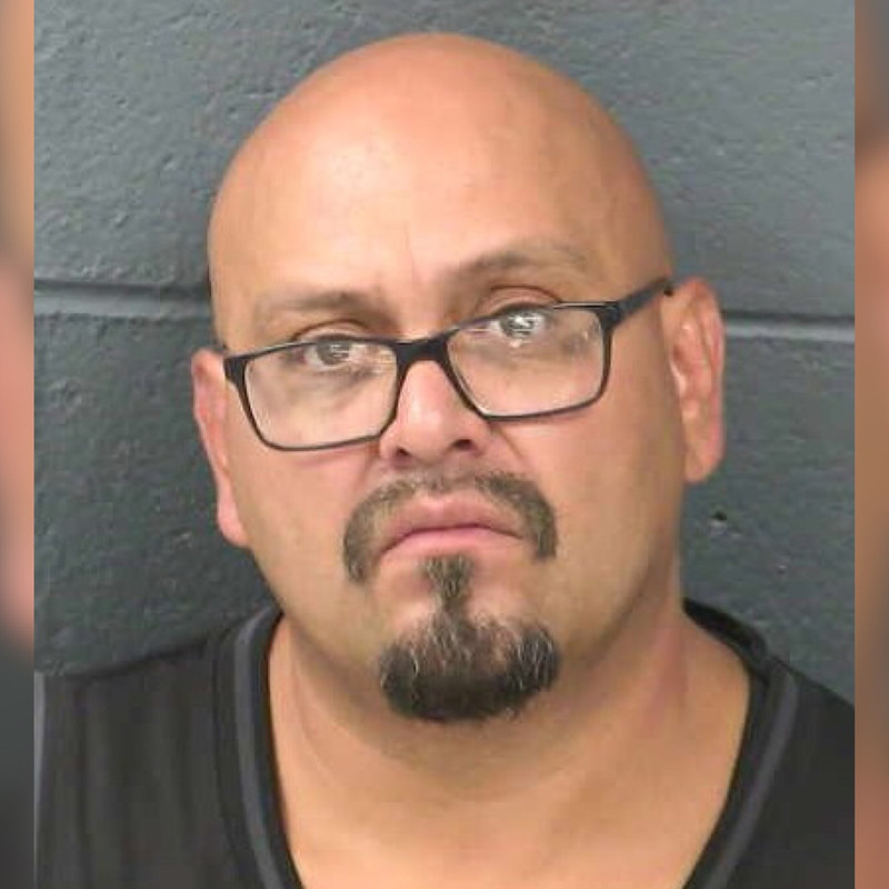 Joshua Ruben Chavez, 43, charged with sexually assaulting two sisters and taking pictures of their breasts... https://t.co/M2ZkuGQHI2 #FirstThem 👉🏿 #Metoo #WeAsOurselves 🤐 #SilenceIsViolence 🤬 #AnOpenSecret 🤫 #TimesUp ⏰#H1news 🗞️ https://t.co/V0xl83plID