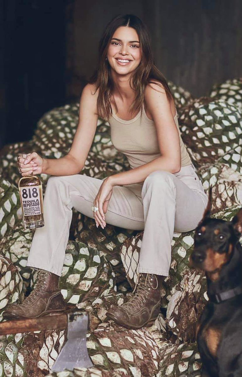 NEW!!! 818 Tequila Blanco presented by @KendallJenner is now available!  Kendall Jenner's award winning 818 Blanco Tequila is a handcrafted, small batch tequila. Bottled at 80 proof, it offers a versatile, clean and balanced palate.  #ThirstyThursday @drink818 https://t.co/ZWvLrjGBsH