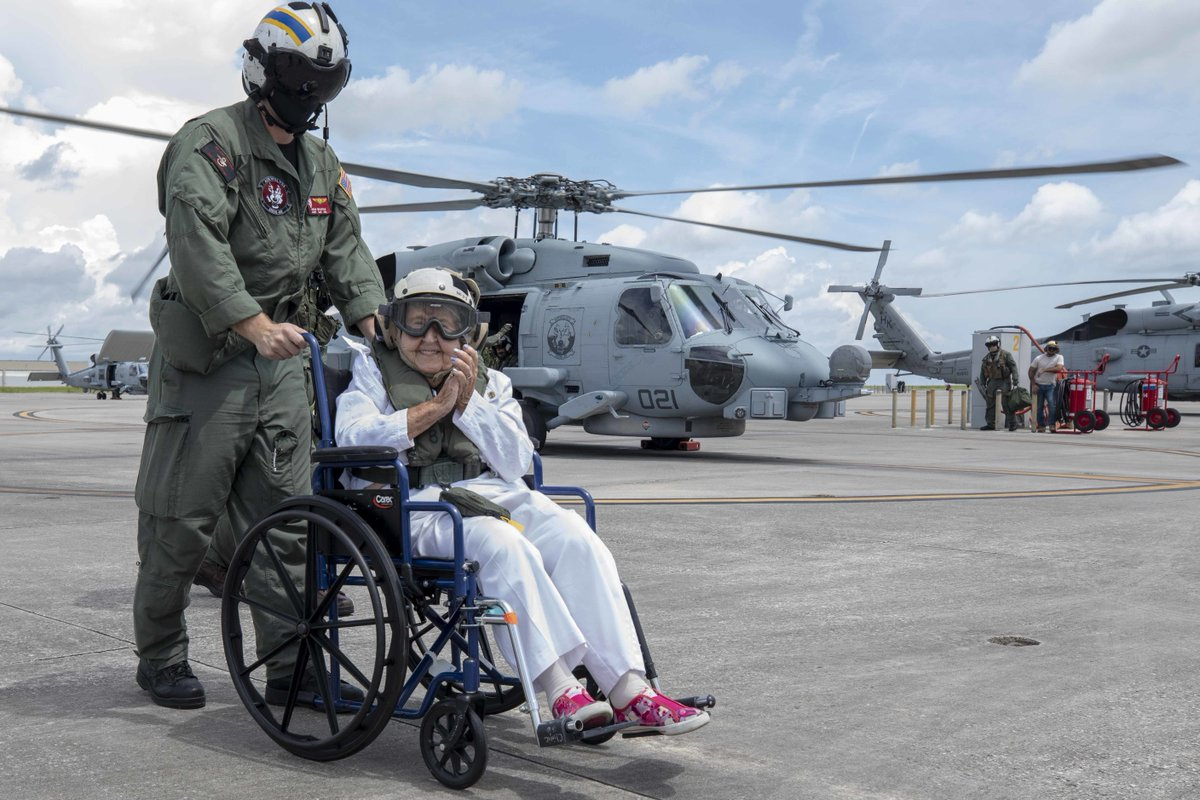 A very #HappyBirthday, indeed  🎉 🎂 🎈  Ima Black, the widow of the first Master Chief Petty Officer of the #USNavy Delbert D. Black celebrates her 💯th Birthday with a helicopter ride & a visit to her husband's namesake ship, #USSDelbertDBlack (DDG 119) @NS_Mayport. https://t.co/nl03V9MJp8