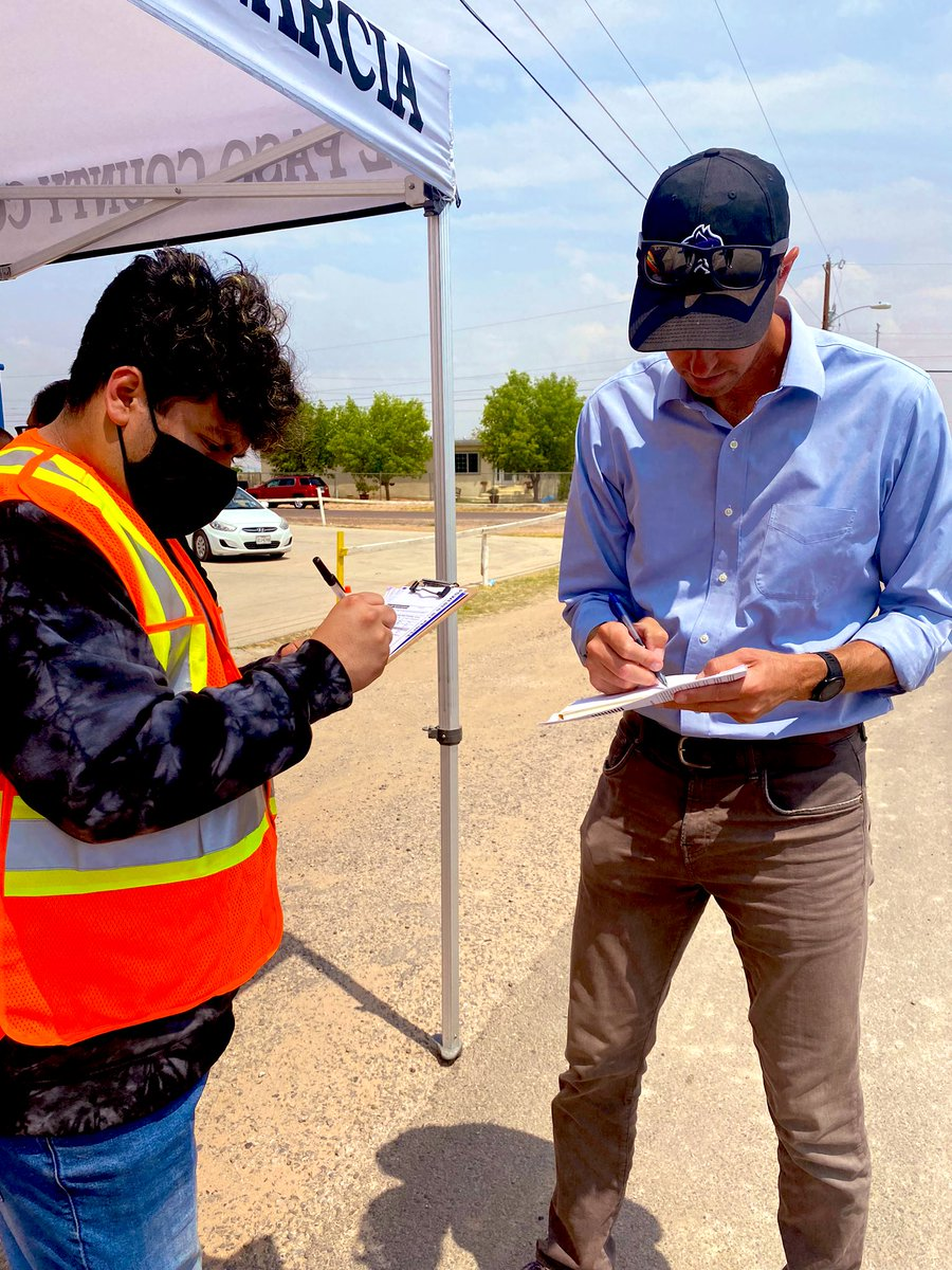I registered Angel to vote in the Square Dance colonia in east El Paso county today.   There are 3 million unregistered Texans. Let's give them a chance to help decide the future of this country.  Join our effort to register everyone, everywhere in Texas:  https://t.co/LNSXnerd3f https://t.co/NGt05lgwAR