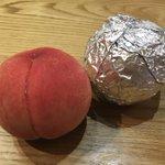 桃が美味しい季節がやってきた!アルミホイルを使って長持ちさせる保存方法がこちら!