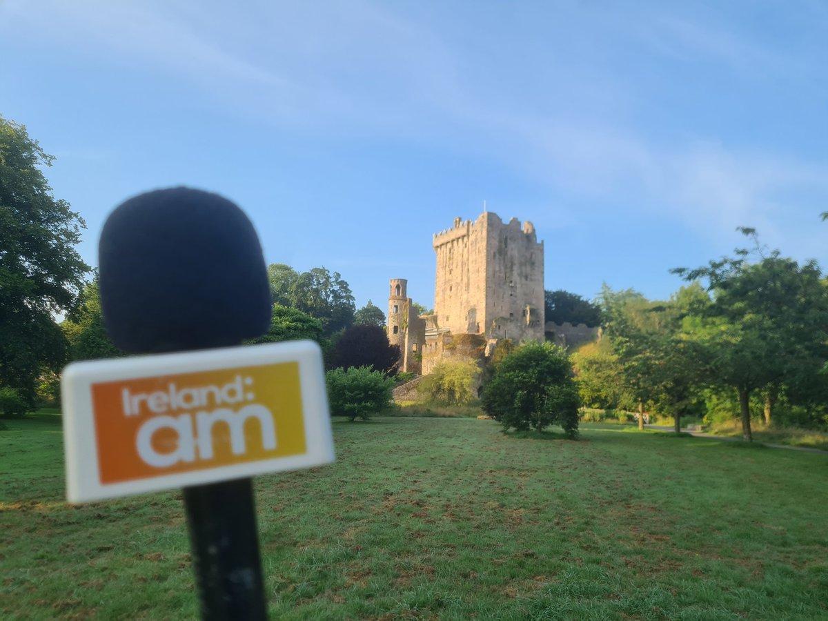 Live from @Blarney_Castle Stunning spot here in #Cork @IrelandAMVMTV 🇮🇪📺💚☺ https://t.co/GzB20cxVq6