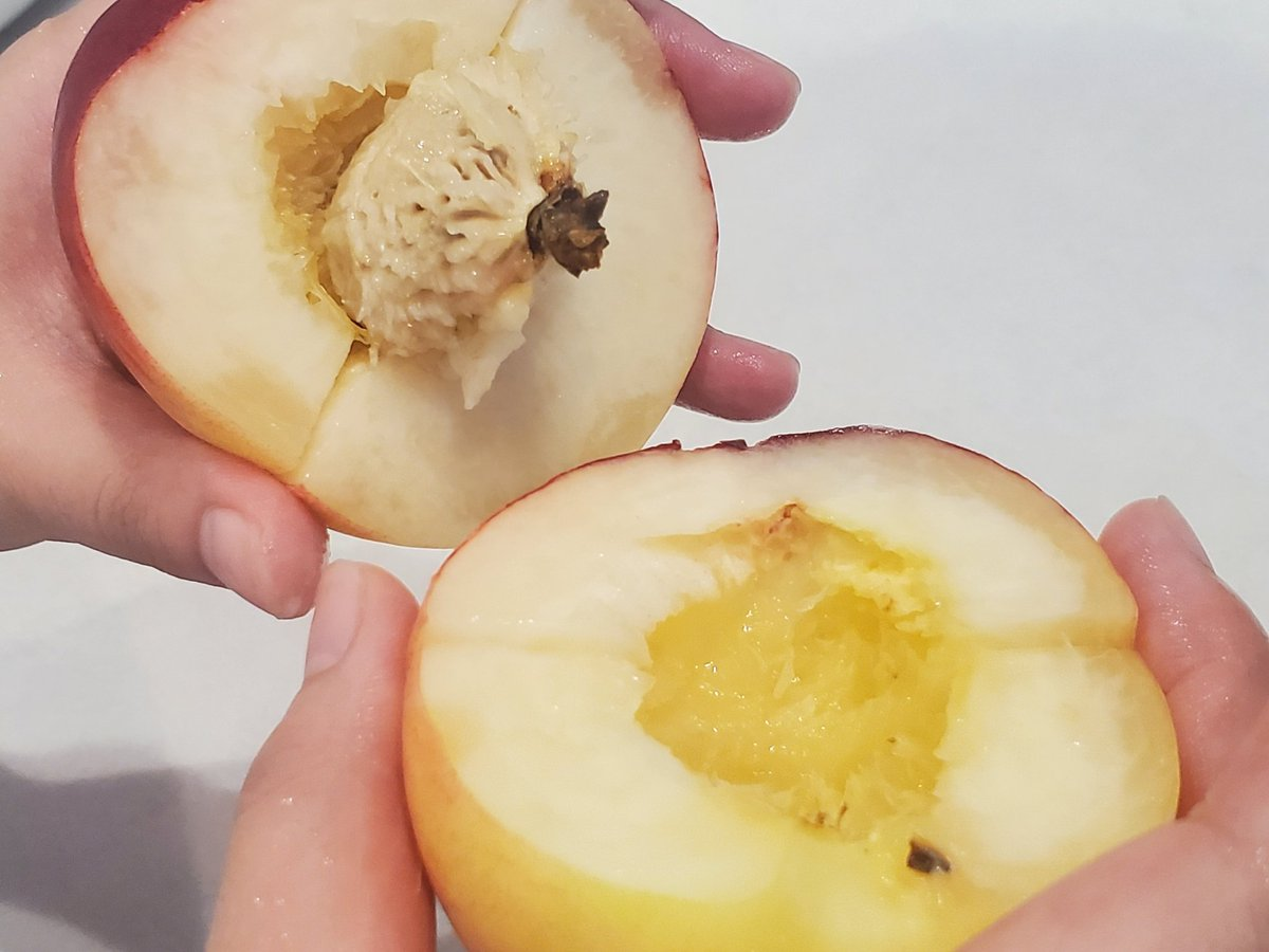 お試しあれ!桃をムダなく簡単に食べる方法!