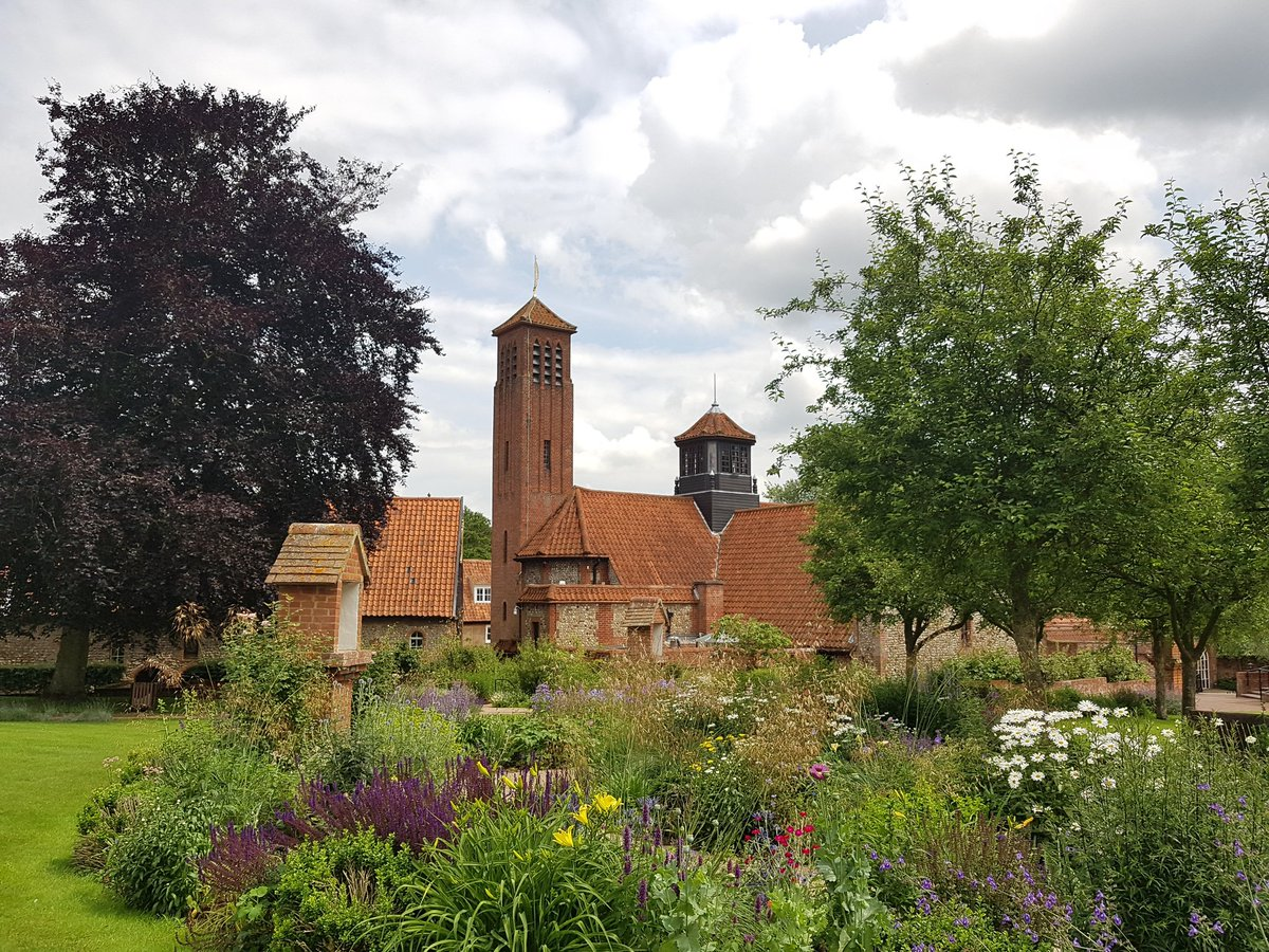At Walsingham @BpBurnley saying a prayer for #ENG obvs. If you could remember Stephen Bloomfield, a v poorly friend, in yours, that would be fab