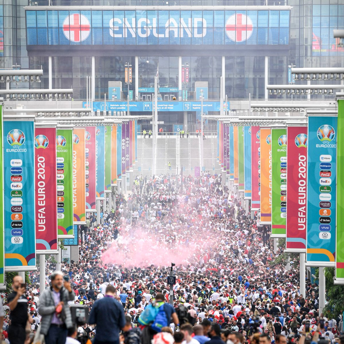 @brfootball's photo on Wembley
