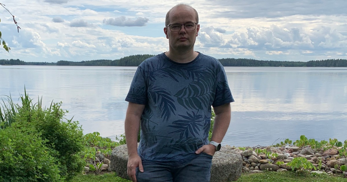 """""""My manager probably saw something I didn't and gave me a push in a new direction – and here I am, leading a team.""""  Meet Juha Koskiaho, Polar's Scrum Master and Software Architect with a history of training with Polar and the worst 'dad jokes' out there.  https://t.co/eIg3tPgUzf https://t.co/zkQUNlU36P"""