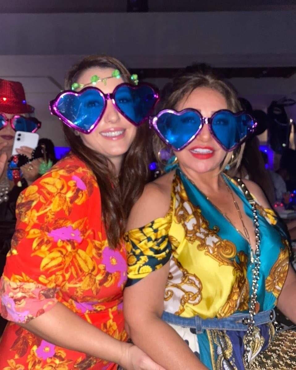 ليلى علوي وكندة علوش بلوك طريف من إحدى الحفلات صدى البلد البلد