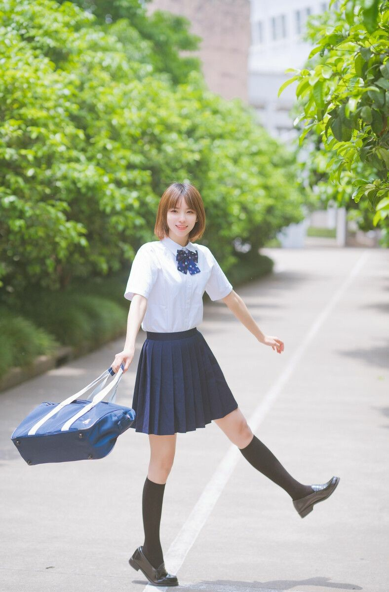 JK高中制服美少女 4P