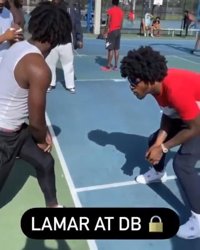 RT @brgridiron: Lamar does it all 😈  MAN OF THE PEOPLE  (via @JJeantm) https://t.co/3MOGsXhWBq