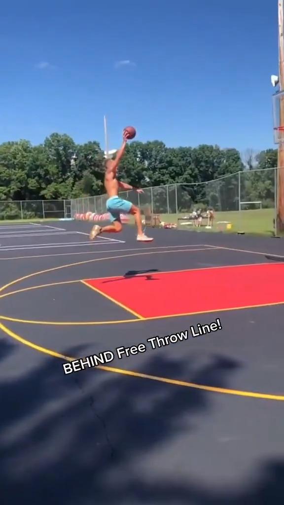 He really took off behind the free throw line 🤯  (via dunkademics, jordanjumpmanwesner/TT) https://t.co/OdjSj8Jsj6