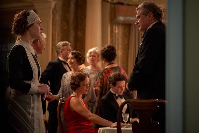 Mothering Sunday (Le dimanche de nos mères), avec Josh O'Connor, Colin Firth... E6HGmeEXoAYji-6?format=jpg&name=small