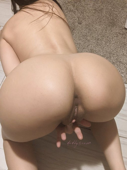 Drain your balls in me https://t.co/qyEIBcqfyW