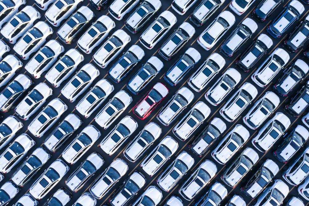Le SUV domine le marché sur AutoScout24. L'offre est ainsi trois fois supérieure à celle des citadines ou berlines. #autoscout24 #roulermieux @lamobiliere @ringer https://t.co/uIKU7q03V3 https://t.co/RgL1KFidIK