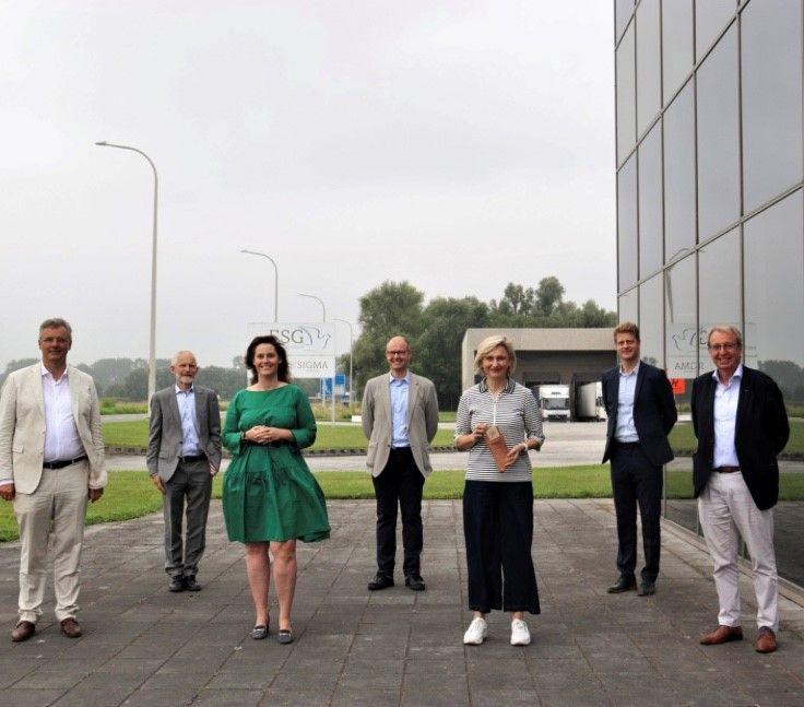 Hoe kunnen we de omslag naar een #circulaireeconomie in een stroomversnelling brengen? Vandaag is in aanwezigheid van Minister Hilde @Crevits de studie over de kansen en uitdagingen voor een circulaire #maakindustrie in #Vlaanderen voorgesteld. https://t.co/G5LvJiVtuB @sirris_be https://t.co/5O1JDAZZ4Y