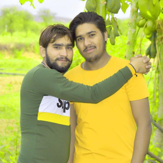 Aaj mere bhai Ka Happy birthday h  Love you bhai