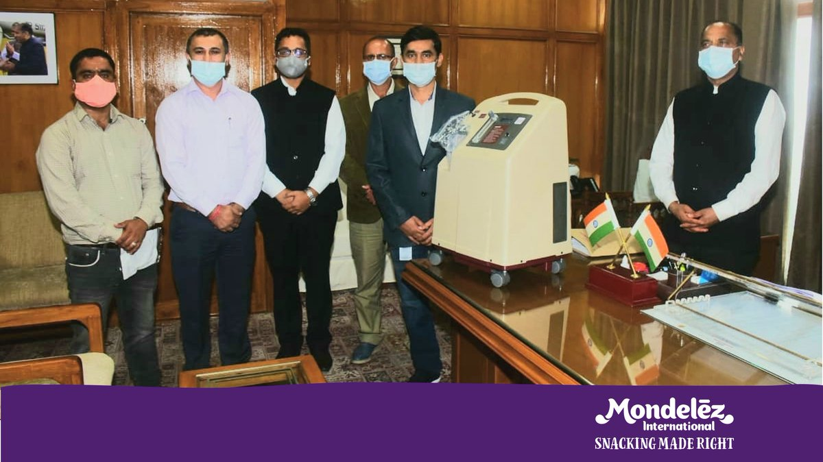 We are pleased to share that #TeamMDLZ #India has distributed 90 oxygen concentrators and other medical equipments in Himachal Pradesh. The activity was facilitated in the presence of Hon. @CMOFFICEHP Jai Ram Thakur and other officials. #StrongerTogether #SnackingMadeRight https://t.co/RW9apzHcAd