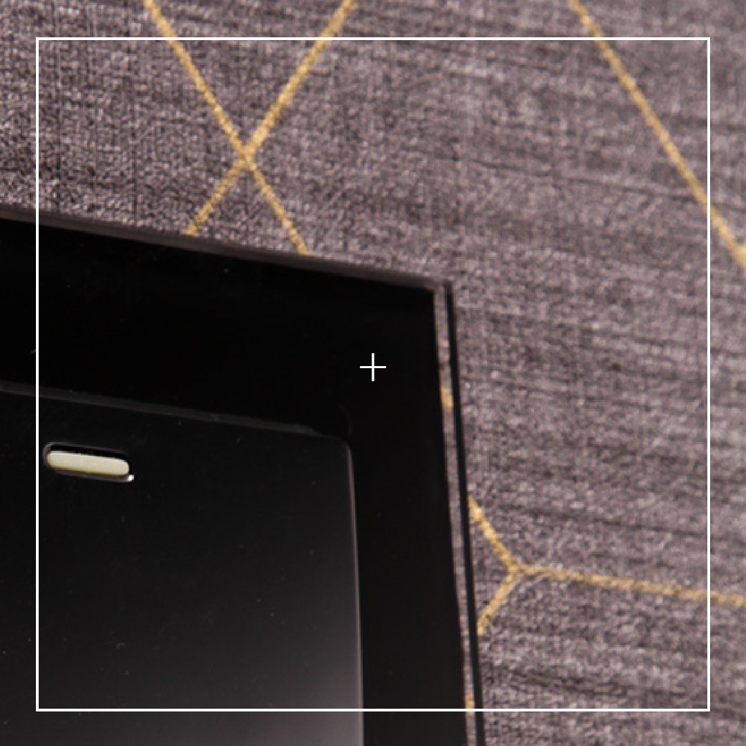 Black plain glass rocker switches with large easy press buttons. It demands attention. retrotouch.co.uk/rocker-light-s… #black #switches #interiordetails #details #lightswitches #homedecor