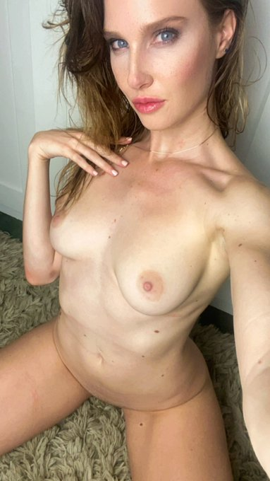 I'm bored at home…come chat with me 😊  https://t.co/V5T4Br2YuG https://t.co/2ECfeYlvEQ