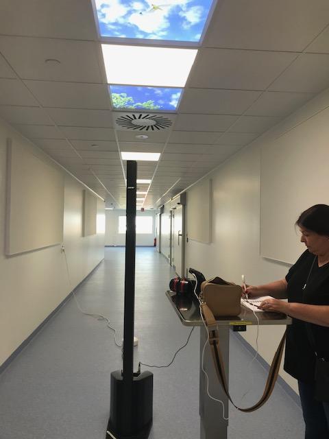 """Utvärdering av att använda #väggabsorbenter i en korridor på #operation. Byggaren sa """"Inte en chans  att vi lämnar över projektet när det låter så här!"""" Innan vi kom och hjälpte till alltså :-) https://t.co/wI9rr05mZo"""