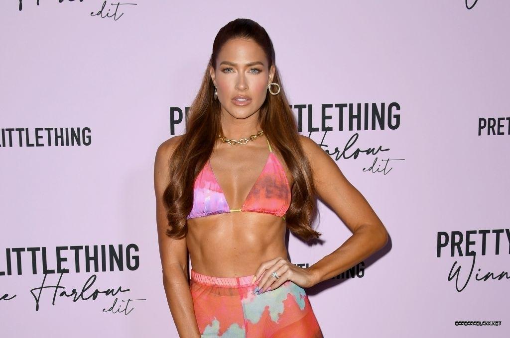 Ex WWE Star Kelly Kelly Rocks A Pink Bra In Lingerie Brand Event 5