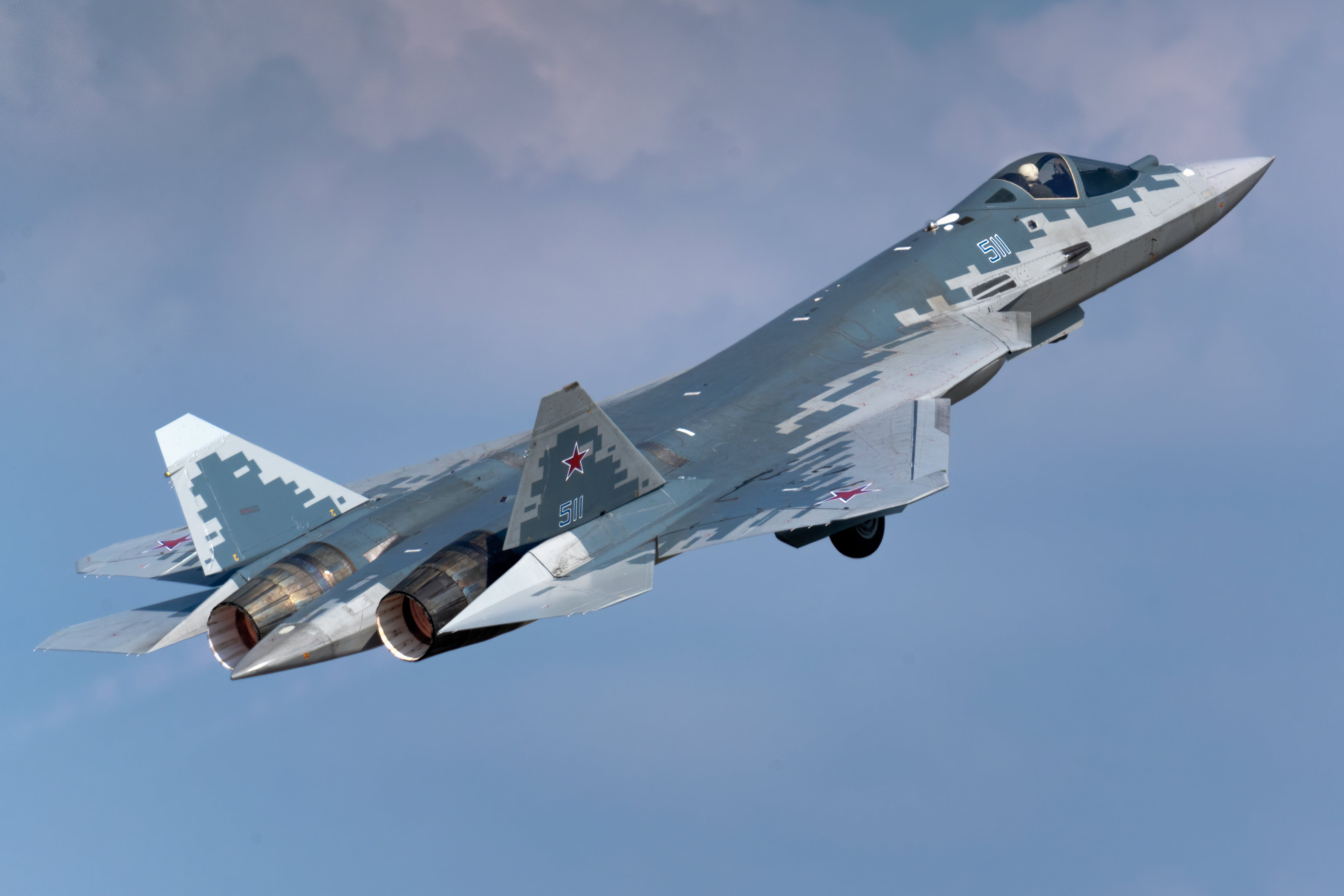 Su-57 Stealth Fighter: News #7 - Page 31 E6US5tbWEAUYCma?format=jpg&name=4096x4096