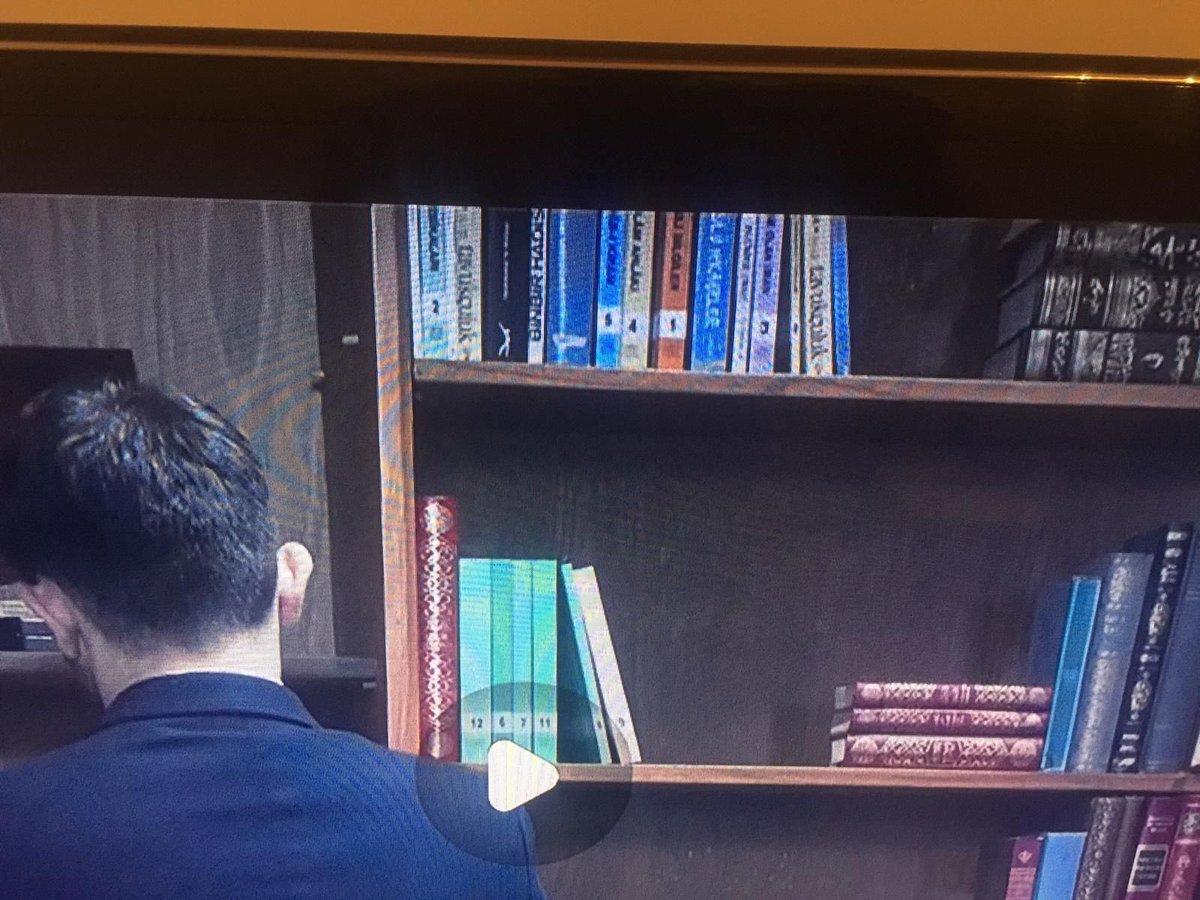 """Ahmet Şimşirgil's tweet - """"#Mahrem dizisinde büyük fitne! Dizi de Fetöcüler mi var! Mahrem eve Fetö kitapları yerine ehli sünnet eserlerini koymak hangi fasit zihniyetin eseri! Bunlar Fetö'nün kitaplarını bilmiyor. Fetö dizisi"""