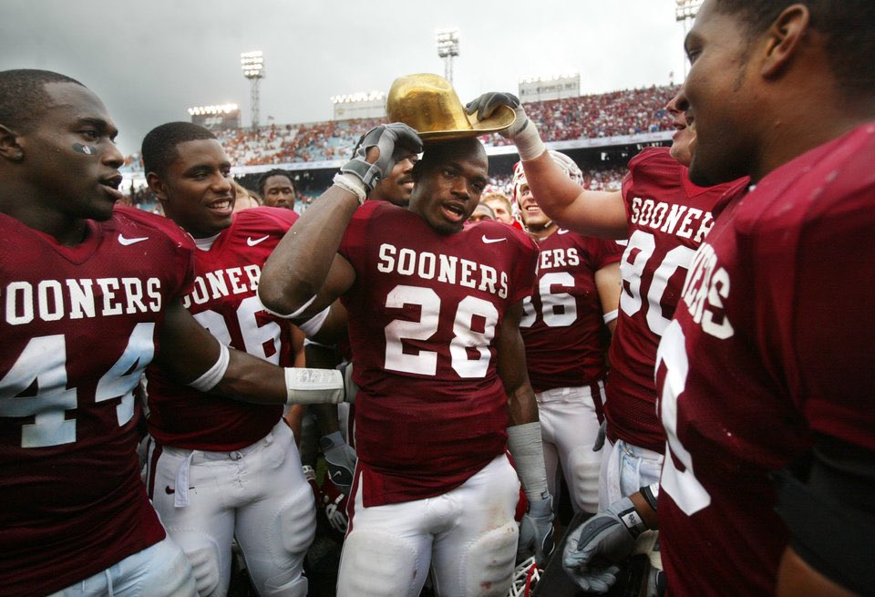Y'all have bigger problems to deal with…forever Horns Down #BoomerSooner https://t.co/JnOWsBoqTc https://t.co/BKWoJCl3hK