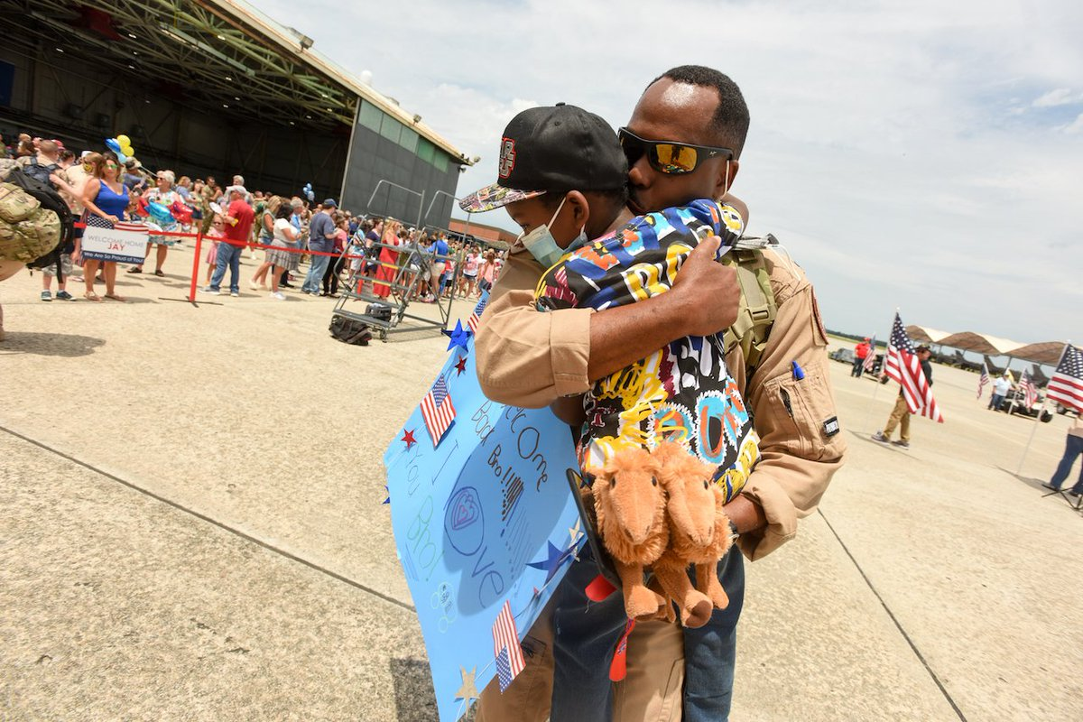 .@theSCANG Airmen reunite with loved ones at McEntire JNGB following their return from a 3-month deployment with the 378th Air Expeditionary Wing. #SwampFox Airmen deployed to @CENTCOM to project combat power and help bolster defensive capabilities. 🔗https://t.co/KD5CXDwvnY https://t.co/y3rYfqFReW