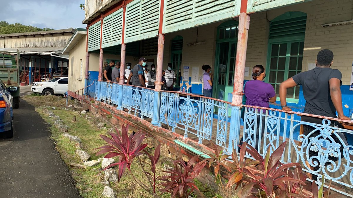 Electoral Observation Mission #OASinStLucia observes the advance vote. Election Day workers, police officers, firefighters, correctional officers, and persons in care facilities cast their ballots today 🇱🇨🗳 https://t.co/99EvyHmbvI