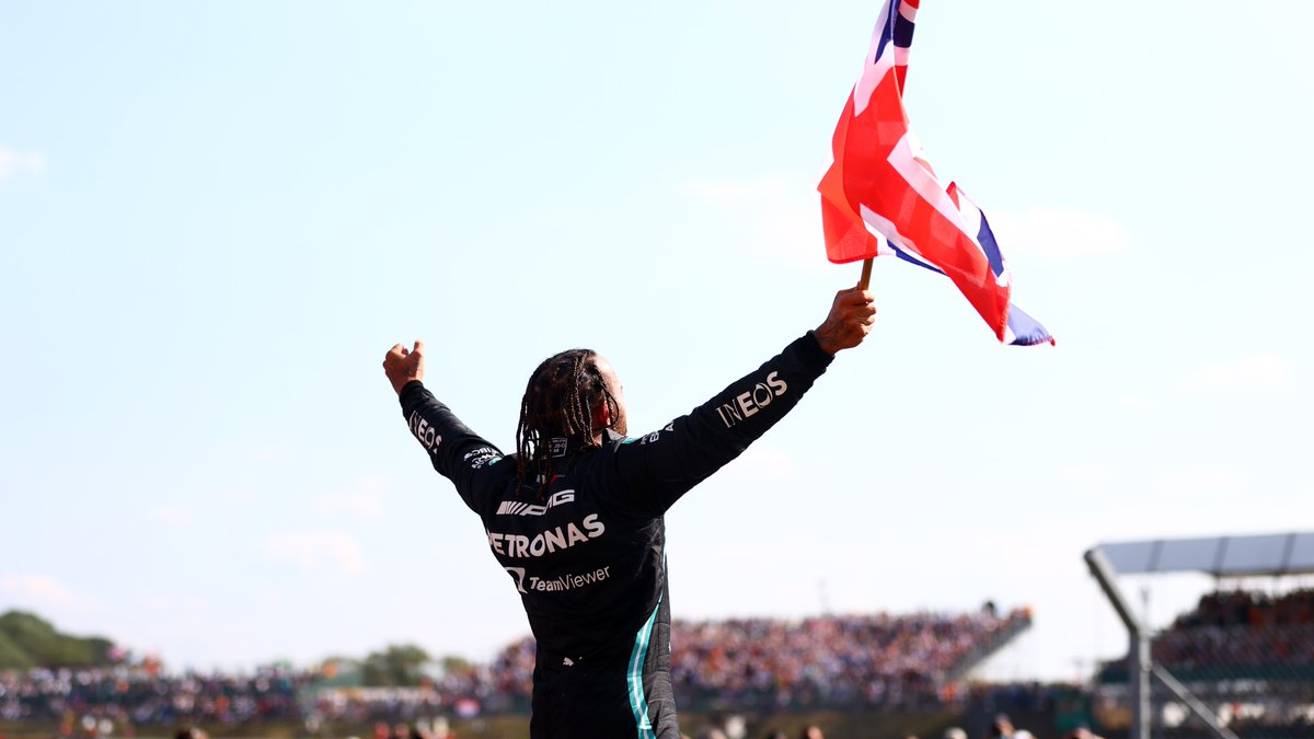MOST WINS AT SAME GRAND PRIX:  8 M Schumacher: 🇫🇷 8 L Hamilton: 🇬🇧 8 L Hamilton: 🇭🇺 7 M Schumacher: 🇨🇦 7 M Schumacher: 🇸🇲 7 L Hamilton: 🇨🇦  @LewisHamilton equalled his own joint-record at our last Grand Prix 📸  And he can set a brand new record at our next one, in Hungary  #F1 https://t.co/HgfAnFhrvw