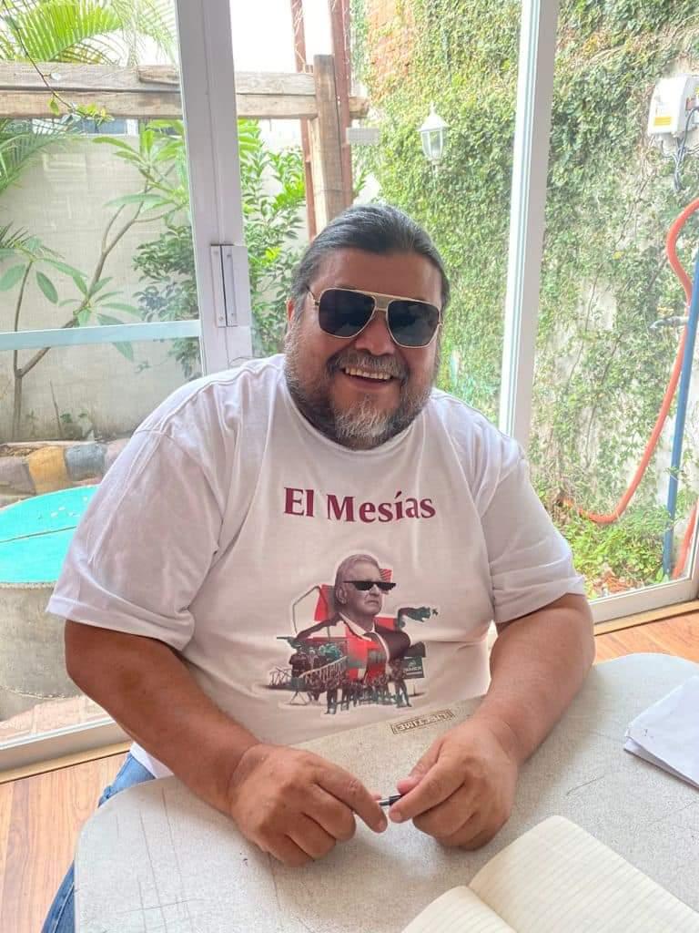 Querido @Eltiotonysoy Sacaste a balcón mi foto de activista tropical. Eres perverso…