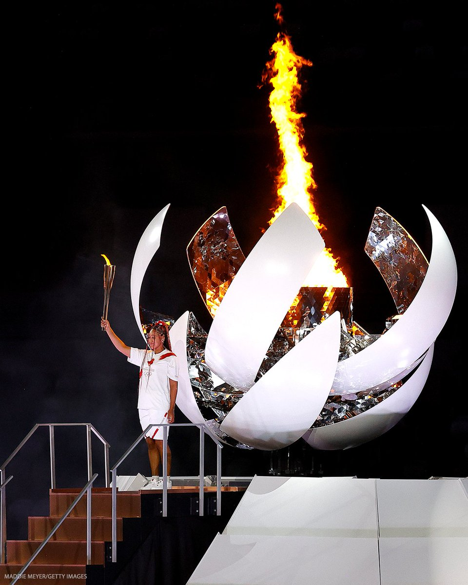 .@naomiosaka lights the Olympic Cauldron 🔥  LET THE OLYMPICS BEGIN 👏 #Tokyo2020 https://t.co/dyChkDCVMu