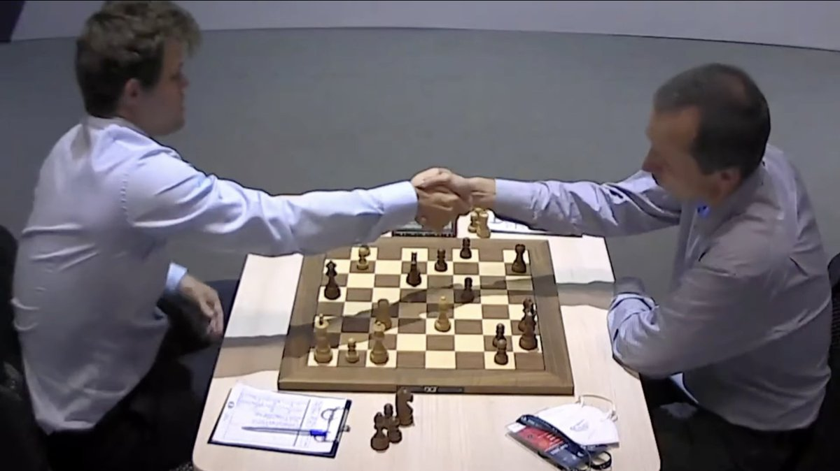 """test Twitter Media - Magnus Carlsen missed a great win, but Jan thinks he also """"dodged a bullet"""" by surviving low on time in a tricky position against Radek Wojtaszek at the end! They play tiebreaks tomorrow: https://t.co/XvrJnuobyI  #c24live #FIDEWorldCup https://t.co/7GV3viUwXc"""
