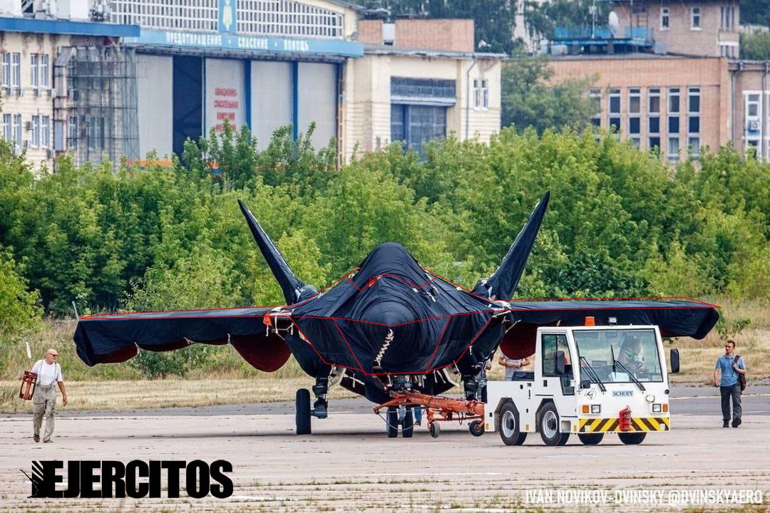New combat aircraft will be presented at MAKS-2021 - Page 5 E6aK1zVWEAc4Ktn?format=jpg&name=medium
