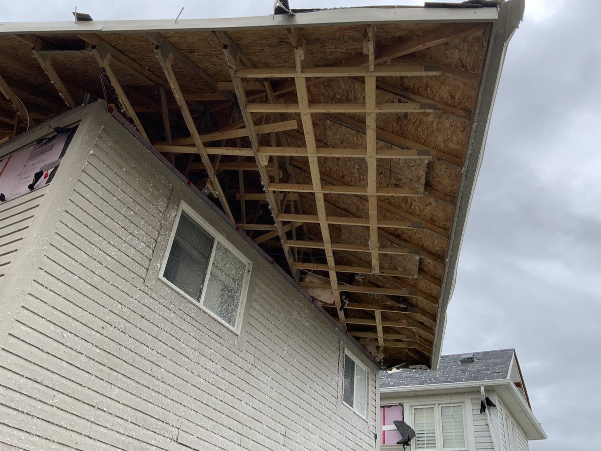 Significant damage in #barrietornado, but some of it was preventable. Missing roof-to-wall connections (nails) allowed a roof to slide off the walls of this house. This is an issue of construction quality and does not meet the building code https://t.co/4jruaThNL0