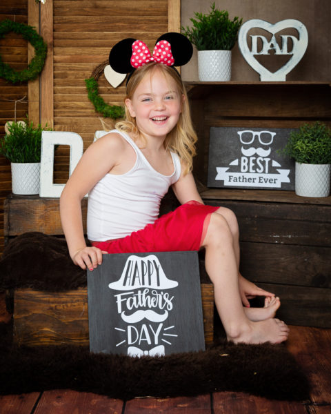 This year's Father's Day mini photo shoot event was a fun day packed with lots of lovely folk taking some time to make the perfect gift for the dad or granddad in their life.I loved this year's set which was specially designed for this year  https://t.co/pDeGgUSU68 https://t.co/VzjNLEEJqy