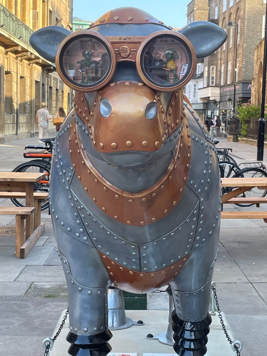 #Art 🎨 Awesome of the Day ⭐ ➡️ #Steampunk ⚙️ #Cow 🐄 By @dinky_doors At @CowsAboutCambs in #Cambridge #England 🇬🇧 Via @tylershores #SamaArt   ➡️ View More #SamaCollection 👉 https://t.co/Kugls40kPu